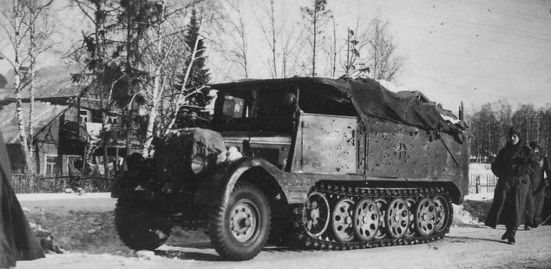 Немецкие войска в пригороде Ленинграда.