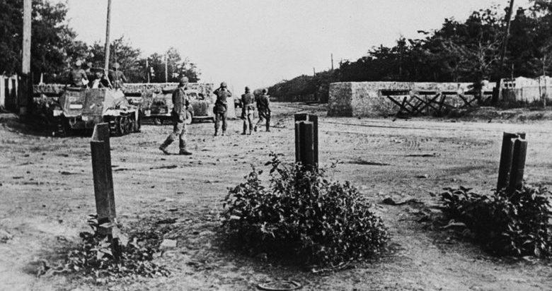 Захваченный немцами ДОТ-баррикада.