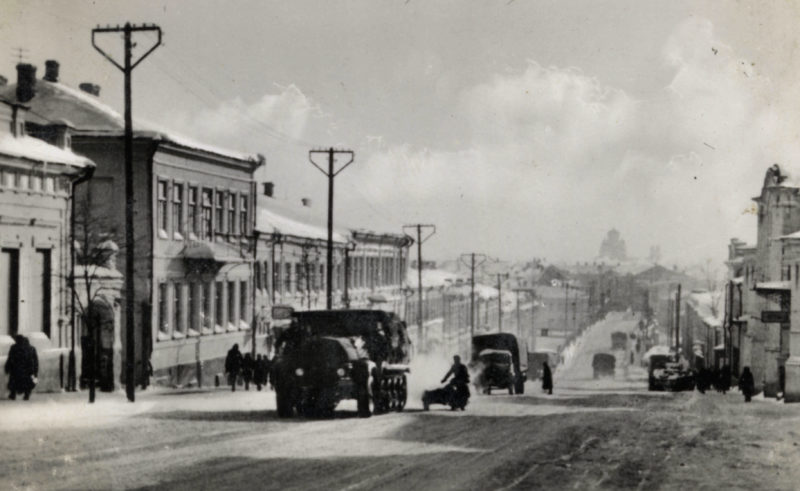 Немецкая колонна на улице Ленина. Орёл. 3 октября 1941 г.