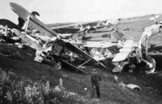 Советский аэродром, захваченный немцами. 29 июня 1941 г.
