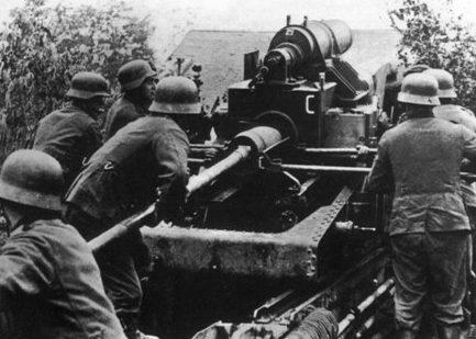 Немецкая тяжелая артиллерия под Ленинградом.