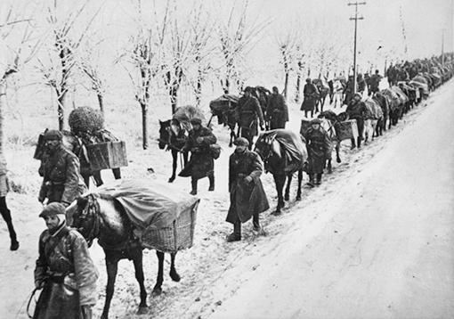 Румыны на дороге в окрестностях Севастополя. 1941г.