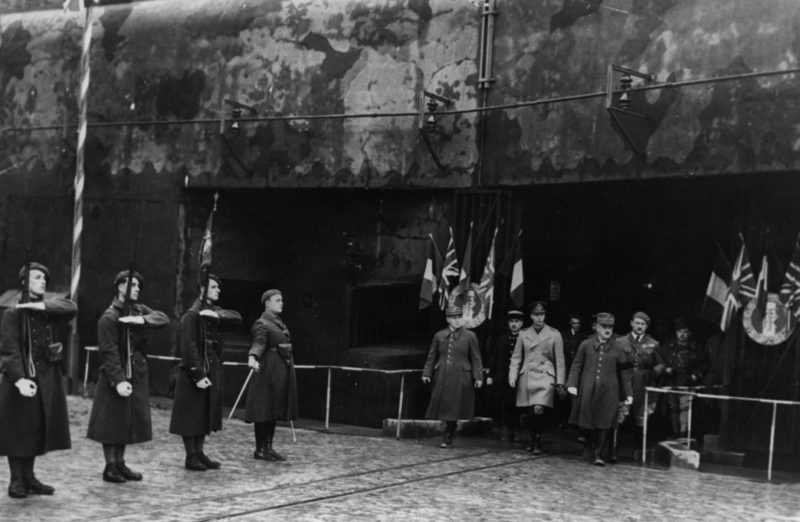 Почетный караул у входа в форт «Hackenberg».1935 г.
