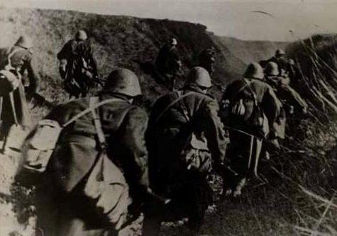 Румынская пехота под Сталинградом. 1942 г.