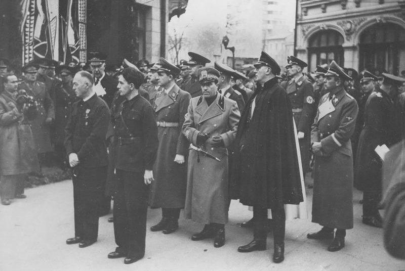 Похороны лидера румынских фашистов Корнелиу Кодряну. Ноябрь 1940 г.