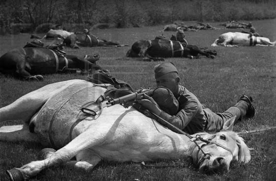 Советские кавалеристы на учениях. 1939 г.