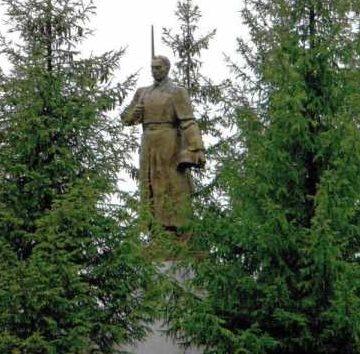 с. Камынино Обоянского р-на. Памятник воинам-землякам, не вернувшимся с войны.