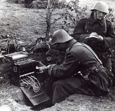 Полевой телефонный коммутатор. 1942 г.