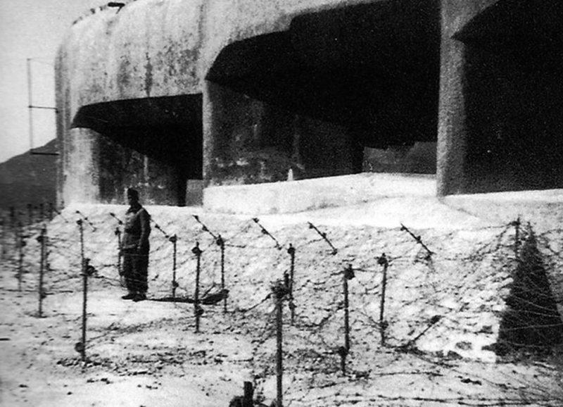 Часовой у боевого блока форта «Rimplas». 1937 г.