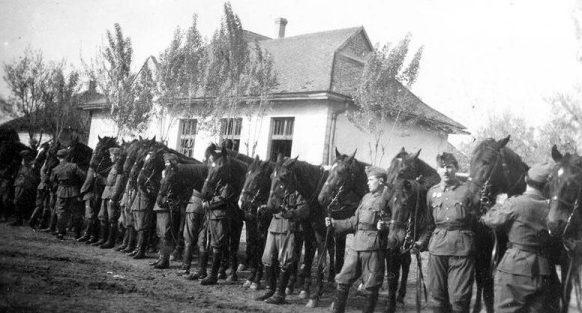 Венгерская кавалерия на Восточном фронте.