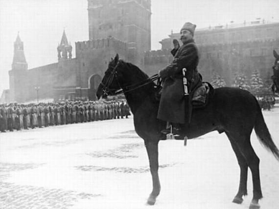 Командующий парадом на Красной Площади Маршал Советского Союза С.М. Буденный. 7 ноября 1941 г.