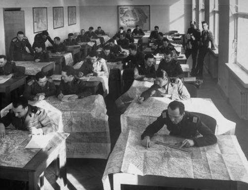 Курсанты румынского военного училища Бухарест, 1940 г.