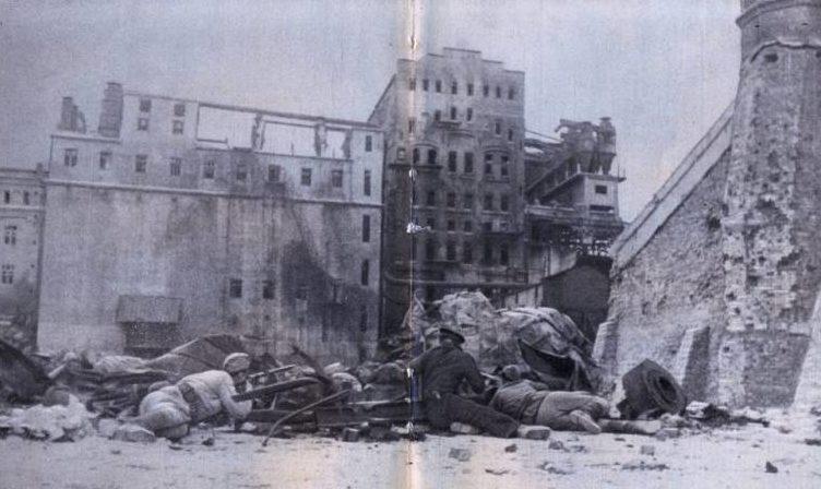 Уличный бой в Новороссийске. Сентябрь 1942 г.