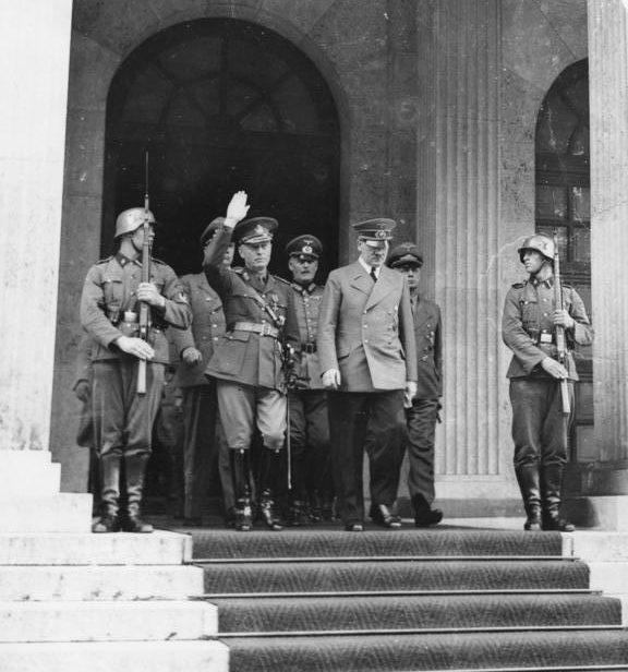 Антонеску и Адольф Гитлер в Мюнхене. Июнь 1941 г.