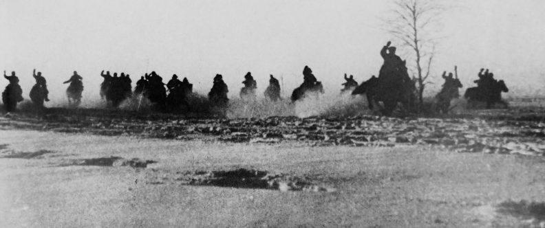 Советские кавалеристы в битве под Москвой. 1941 г.