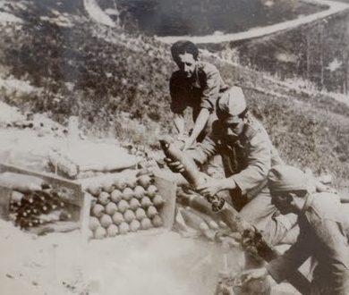 Расчет 81-мм миномета. Италия, 1944 г.