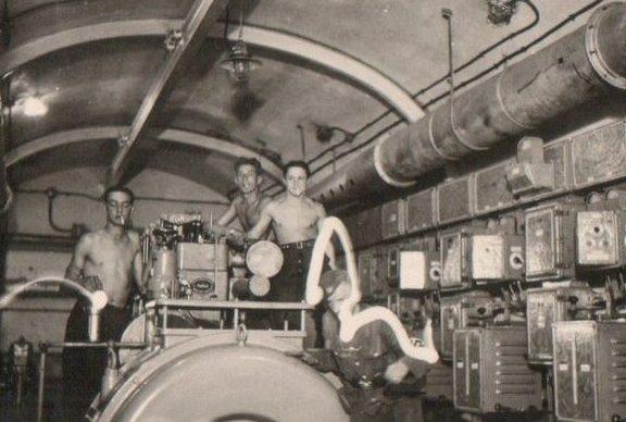 Дизель-генератор одного из фортов. 1938 г.