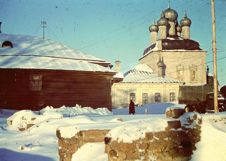 Зима в оккупированном городе. 1942 г.