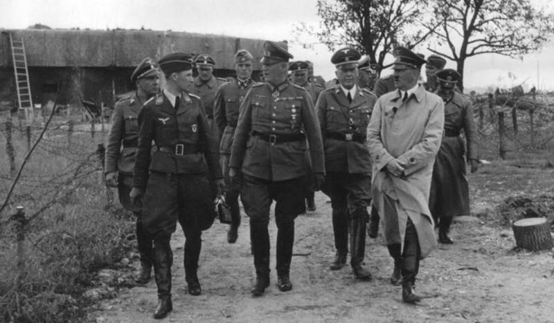 Гитлер у каземата «Marckolsheim Sud». 1940 г.