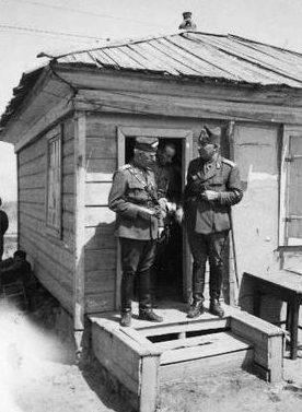 Генерал Петр Думитреску и генерал Корнелиу Драгалина на Восточном фронте. 1942 г.