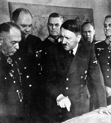 Маршал Атонеску и Гитлер. 12 апреля 1943 г.