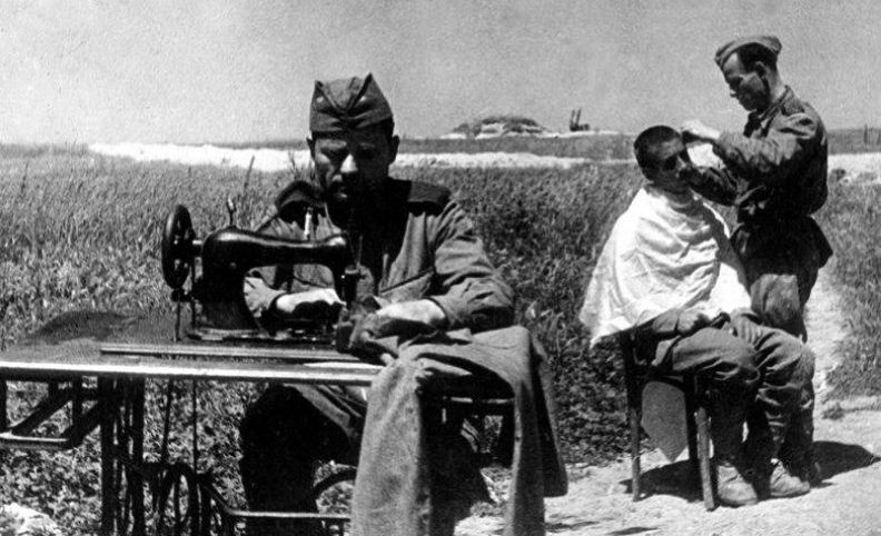 Фронтовой быт красноармейцев под Новороссийском. 1942 г.
