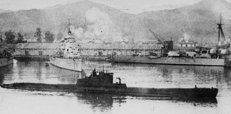 Подлодка Щ-205 в гавани Новороссийска. 1942 г.