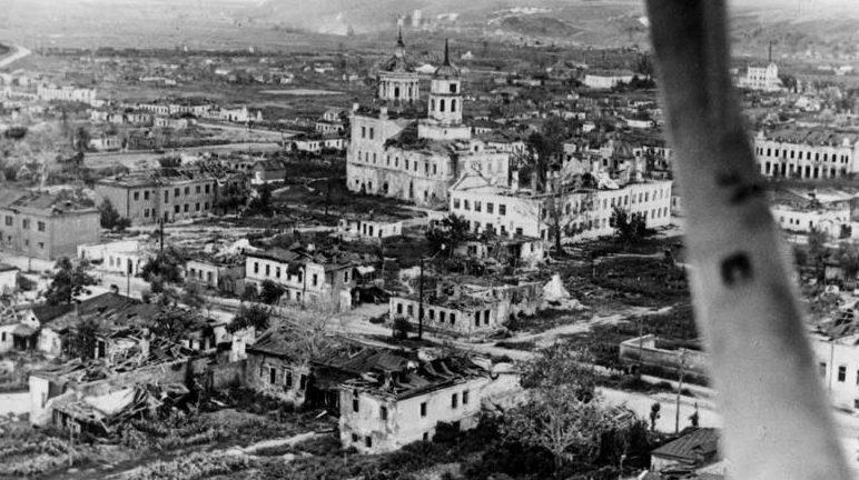 Смоленский собор с воздуха. Июль 1943 г.