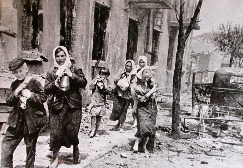 Возвращение беженцев. Июль 1944 г.