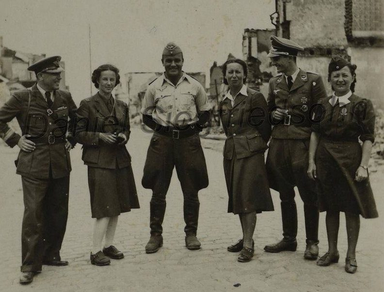 Румынские и немецкие летчики. Бельцы, июль 1941 г.