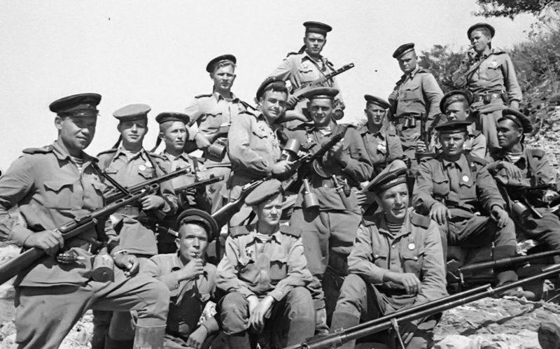 Морские пехотинцы из отряда Цезаря Куникова. 1943 г.