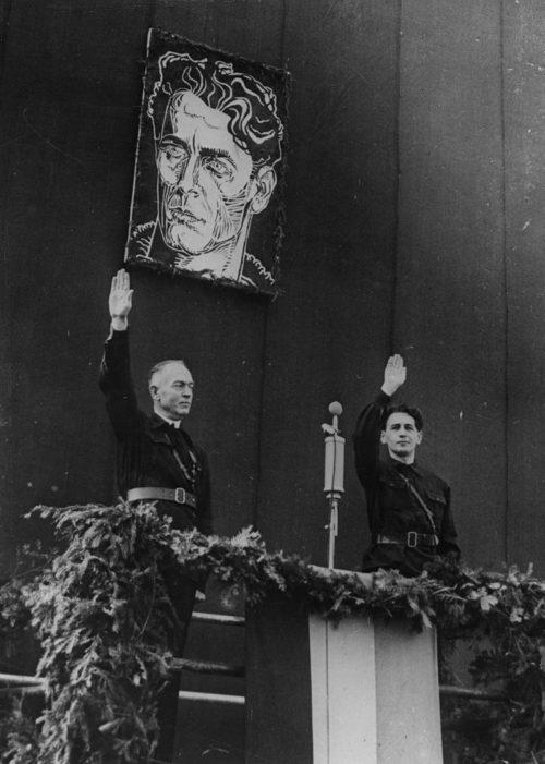 Генерал Ион Антонеску с лидером «Железной гвардии» Хорией Симой. Октябрь 1941 г.