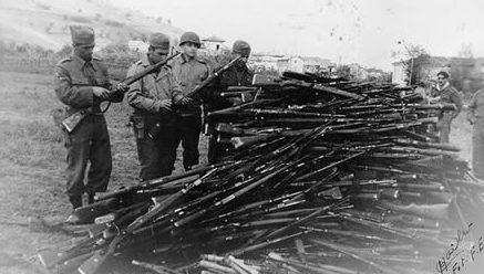 Оружие военнопленных немцев. 30 апреля 1945 г.