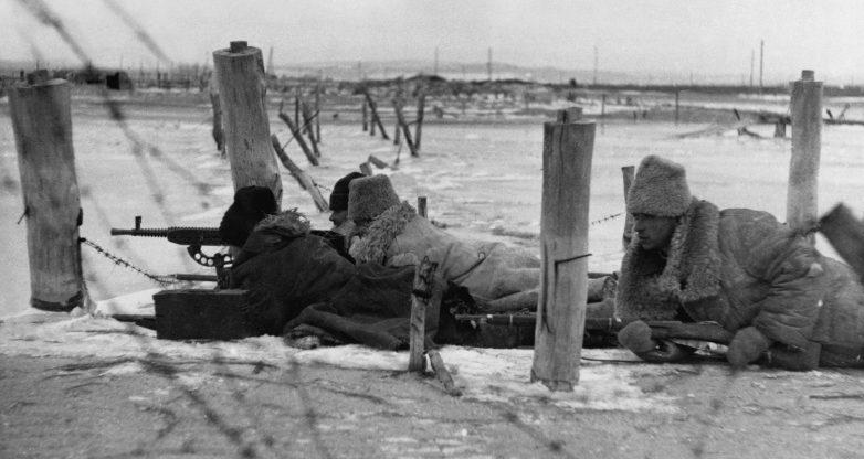 Румынский пулеметный расчет в районе Новороссийска. Февраль 1943 г.