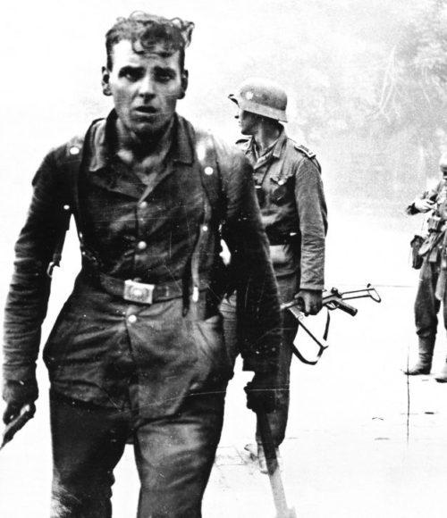 Уличные бои в городе. Сентябрь 1943 г.