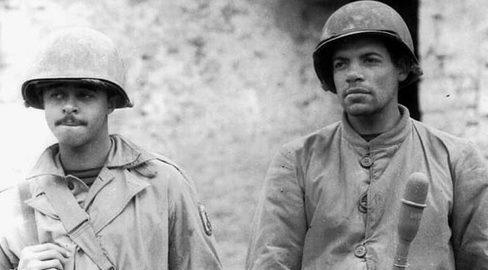 Бразильские солдаты с гранатометом. Италия 1945 г.
