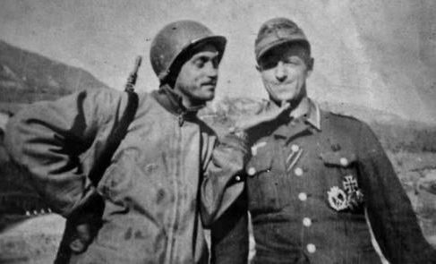 Немецкие солдаты в плену у бразильцев. Италия, 1945 г.