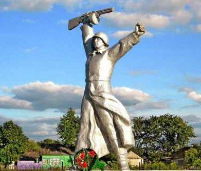 с. Репец Мантуровского р-на. Мемориал воинам-односельчанам, не вернувшимся с войны.