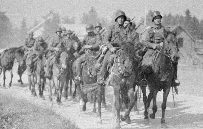 Конный патруль. 1940 г.