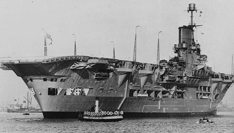 Авианосец вскоре после ввода в эксплуатацию. 1938 г.