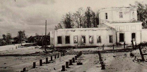 Развалины Богоявленского собора. Демянск, 1941 г.