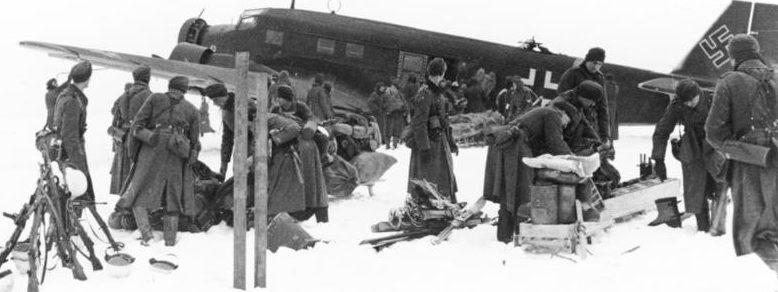 Снабжение немецких войск по воздуху.