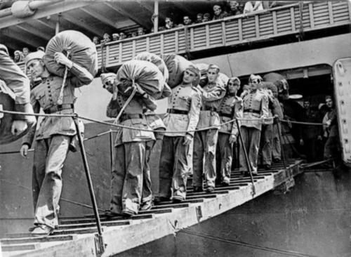Прибытие бразильских солдат в Италию.