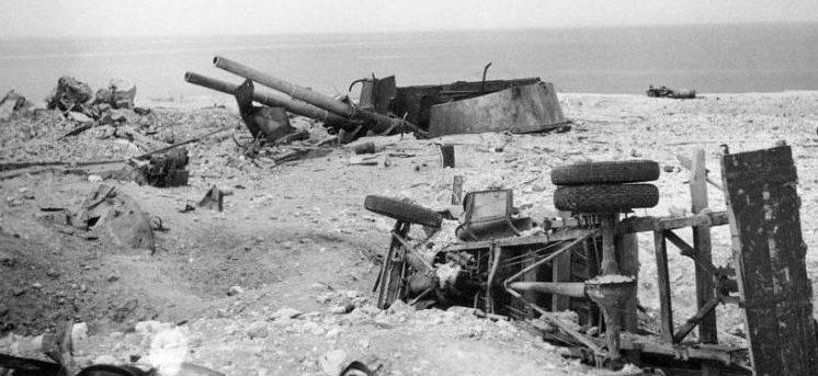Разрушенная 30-я береговая батарея.