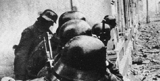 Бой с советским десантом в Евпатории.