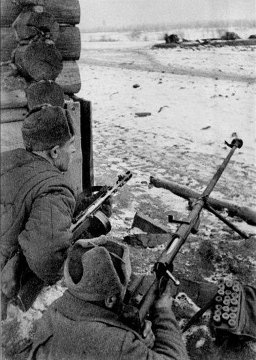 Солдаты Тульского рабочего полка в засаде у Рогожинского поселка.