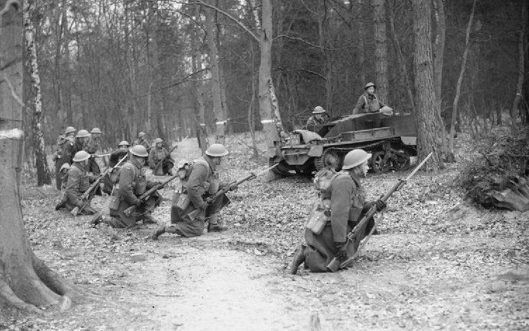 1-я канадская пехотная дивизия на учениях. Олдершот, декабрь 1939 г.