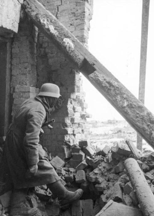 Немецкие войска в обороне. Январь 1942 г.