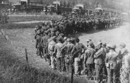 Немецкая 148-я пехотная дивизия сдается в плен бразильским войскам.