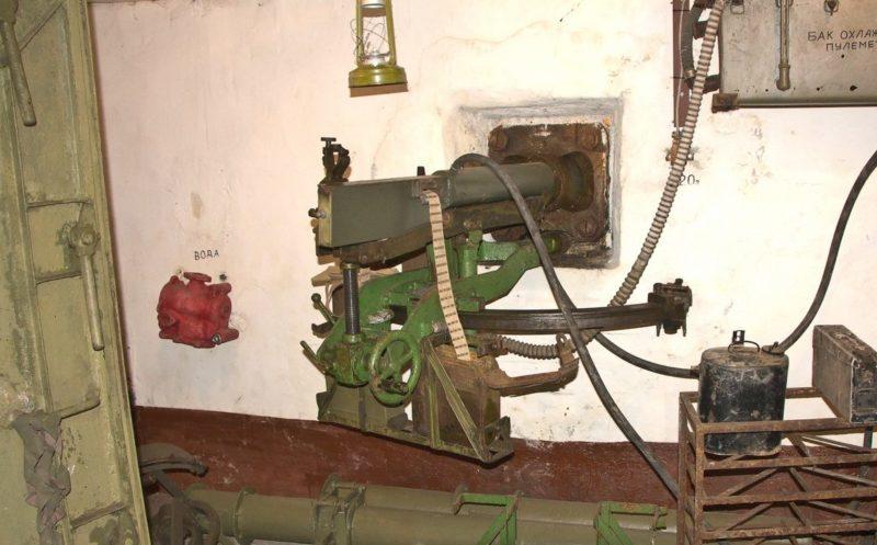 Пулемет Максима на станке НПС-3 в артиллерийском полукапонире.